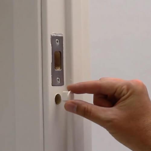 How to install the wifi door and window sensor ?